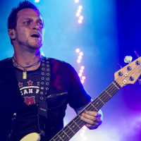 Brian Marshall (baixo) do Creed no Citibank Hall, Rio - 23/11/2012