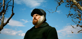 Willem Dafoe as Vincent Van Gogh in Julian Schnabel's AT ETERNITY'S GATE. Photo credit:  Lily Gavin
